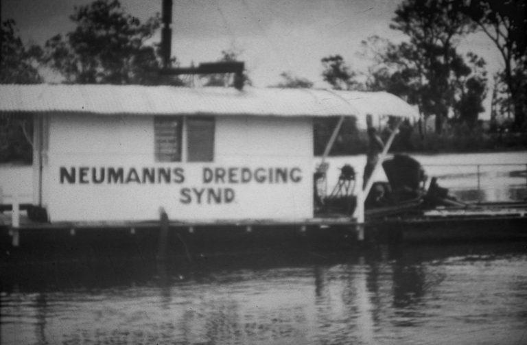 Vintage Image - About Us - History - Dredge